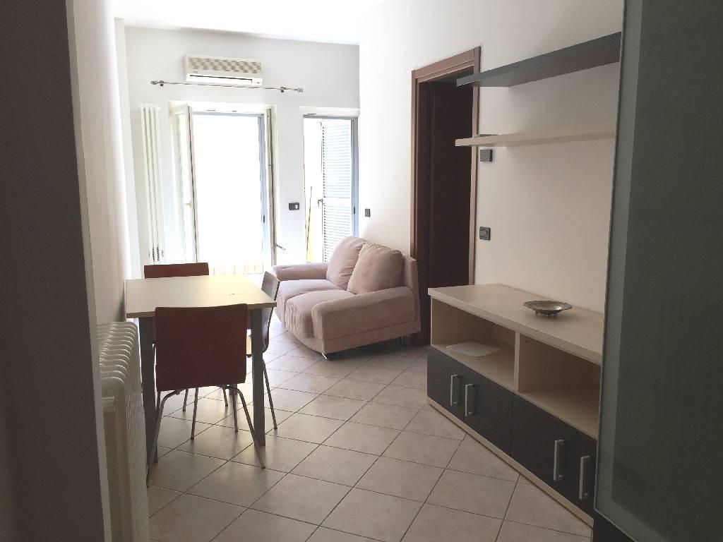 Appartamento in affitto a Piacenza, 2 locali, zona Località: CENTRO STORICO, prezzo € 400 | Cambio Casa.it