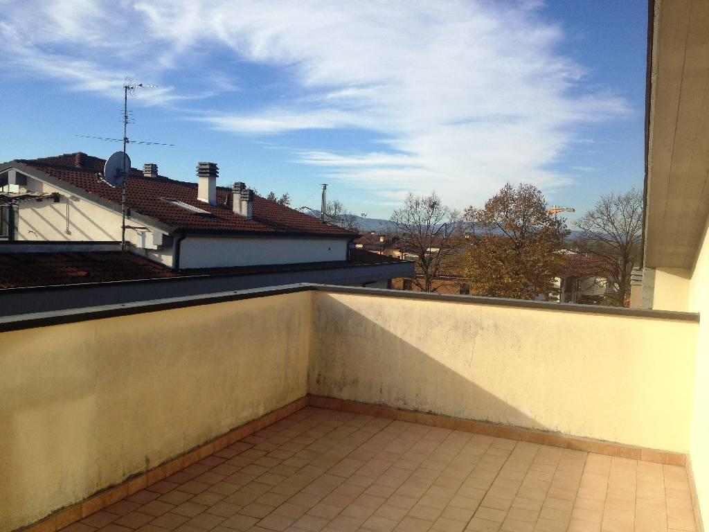 Appartamento in vendita a Gossolengo, 4 locali, zona Località: GOSSOLENGO, prezzo € 180.000 | Cambio Casa.it