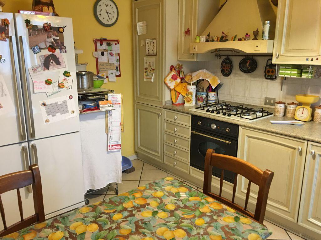 Appartamento in vendita a Gragnano Trebbiense, 3 locali, zona Località: GRAGNANO, prezzo € 140.000 | Cambio Casa.it