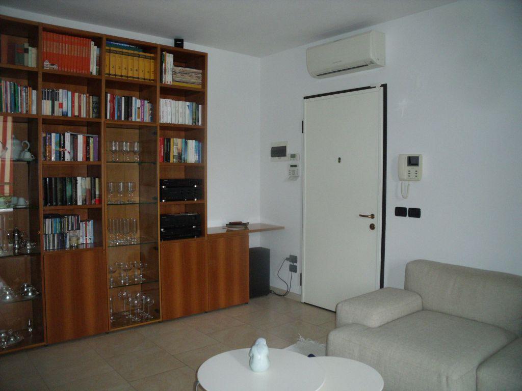 Appartamento in vendita a Rottofreno, 3 locali, zona Località: GENERICA, prezzo € 190.000 | Cambio Casa.it