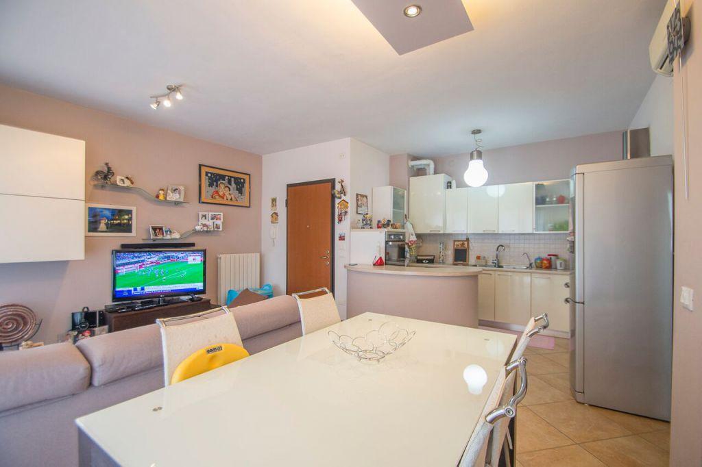 Appartamento in vendita a Podenzano, 3 locali, zona Località: PODENZANO, prezzo € 128.000 | Cambio Casa.it