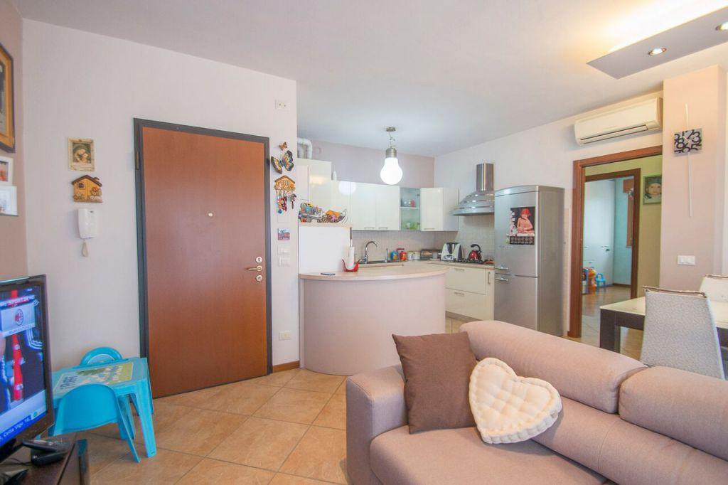 Appartamento in vendita a Podenzano, 3 locali, zona Località: PODENZANO, prezzo € 128.000   Cambio Casa.it