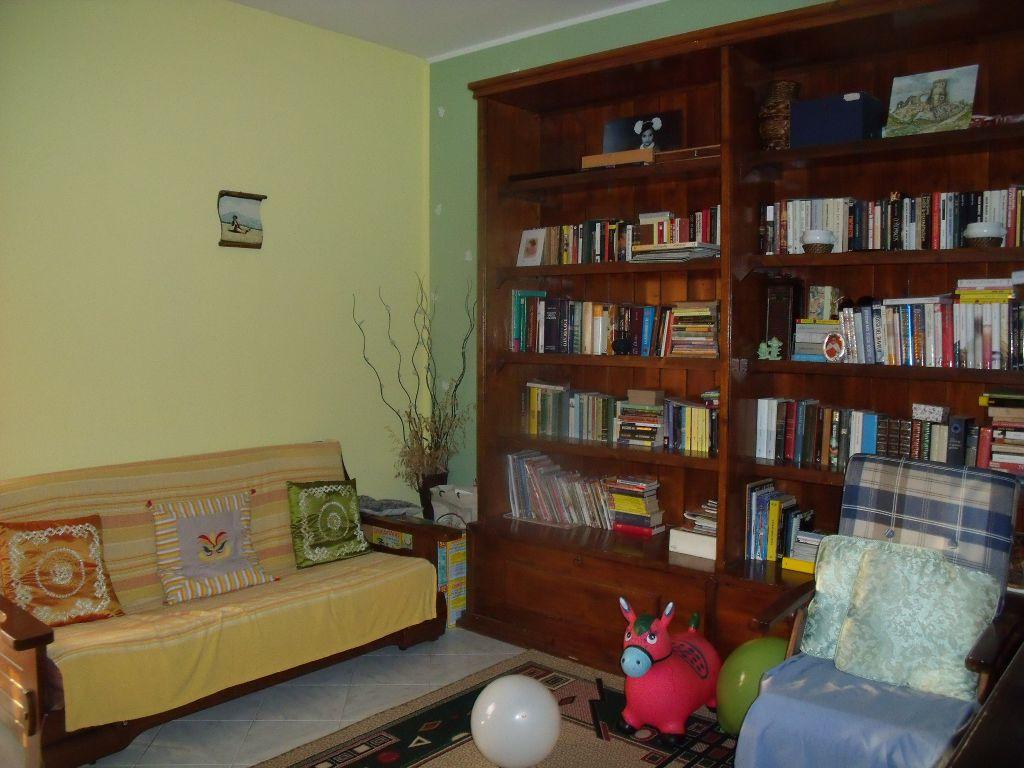 Appartamento in vendita a Gragnano Trebbiense, 3 locali, zona Località: GRAGNANO TREBBIENSE, prezzo € 90.000 | Cambio Casa.it