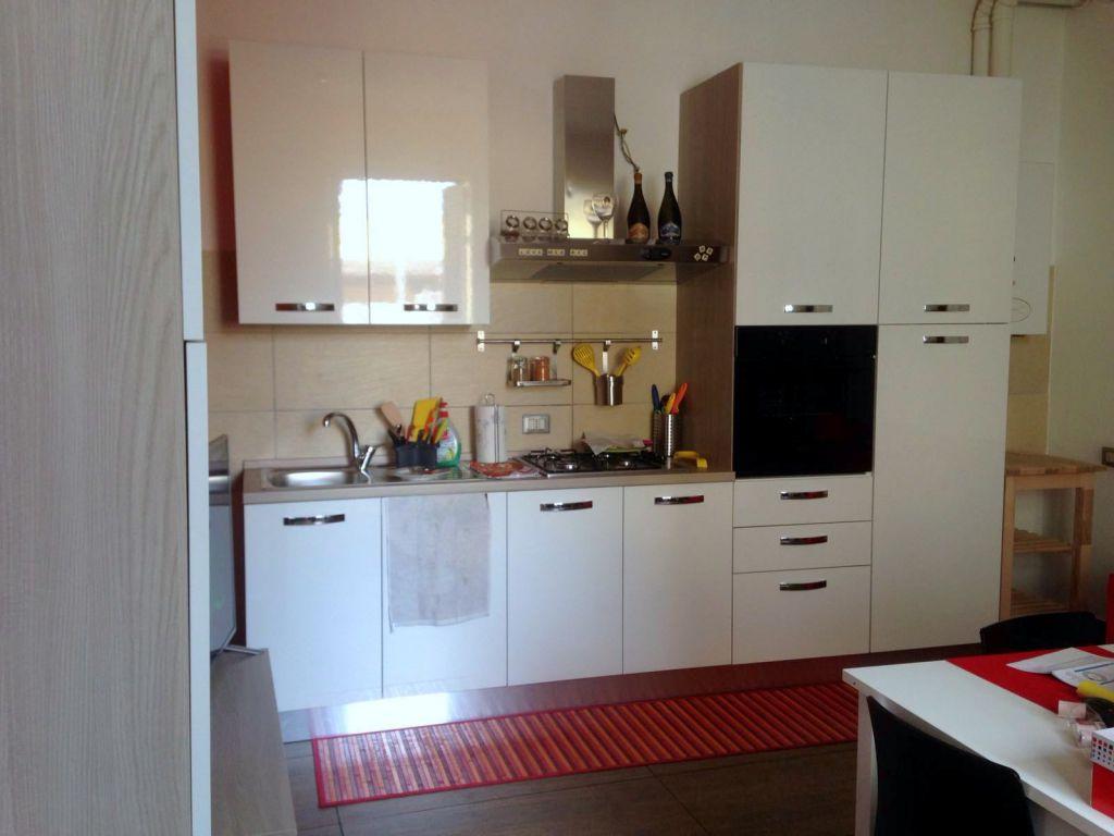 Appartamento in affitto a Podenzano, 2 locali, zona Località: PODENZANO, prezzo € 400 | Cambio Casa.it