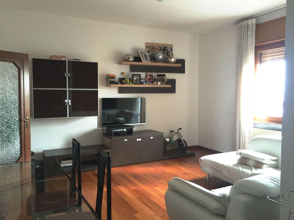 Appartamento in vendita a Piacenza, 3 locali, zona Località: B.RA GENOVA, prezzo € 225.000   Cambio Casa.it