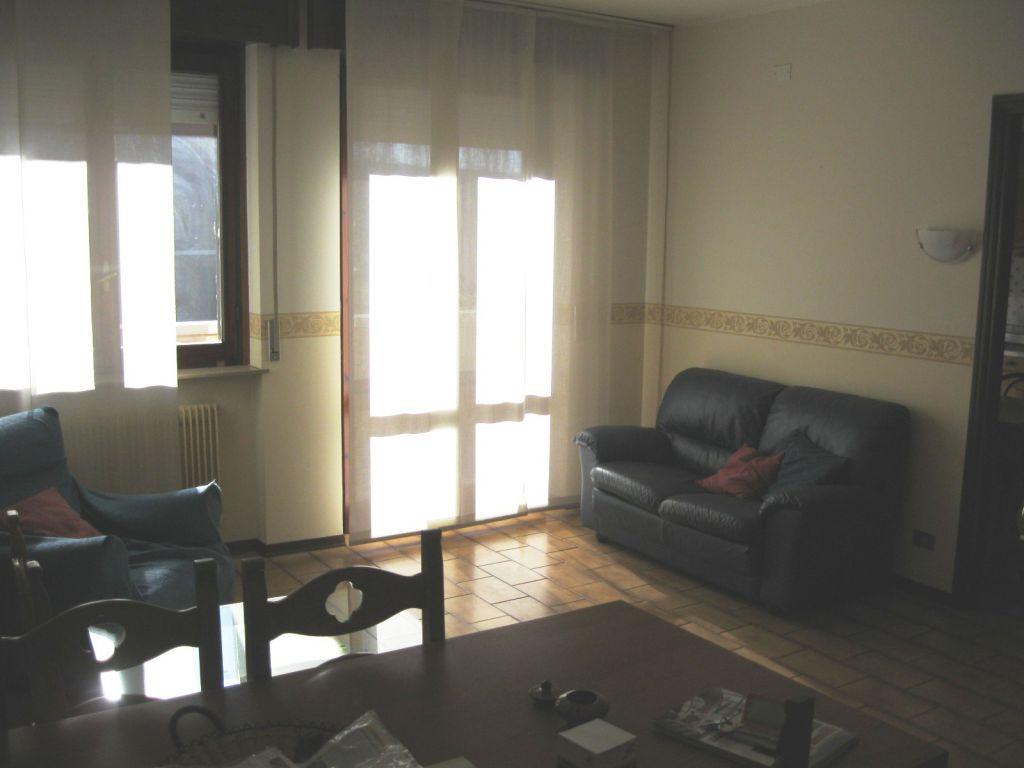 Appartamento in vendita a Vigolzone, 3 locali, zona Località: VIGOLZONE, prezzo € 89.000 | Cambio Casa.it