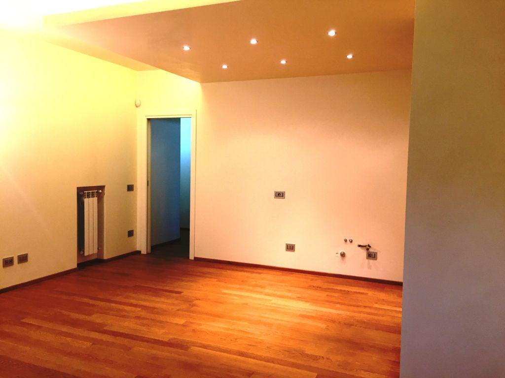Appartamento in vendita a Piacenza, 3 locali, zona Località: INFRANGIBILE, prezzo € 270.000 | Cambio Casa.it