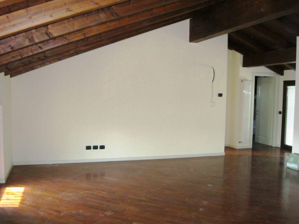 Appartamento in vendita a Piacenza, 3 locali, zona Località: QUARTIERE 2000, prezzo € 300.000 | Cambio Casa.it