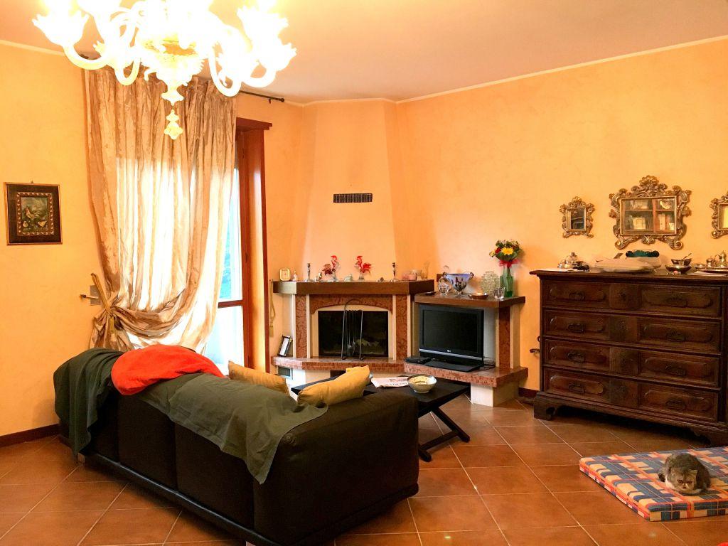 Appartamento in vendita a Rottofreno, 4 locali, zona Località: SAN NICOLO', prezzo € 185.000 | Cambio Casa.it