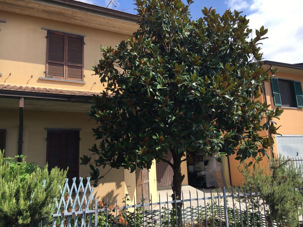 Villa in vendita a Gragnano Trebbiense, 4 locali, zona Località: GRAGNANO TREBBIENSE, prezzo € 180.000   Cambio Casa.it