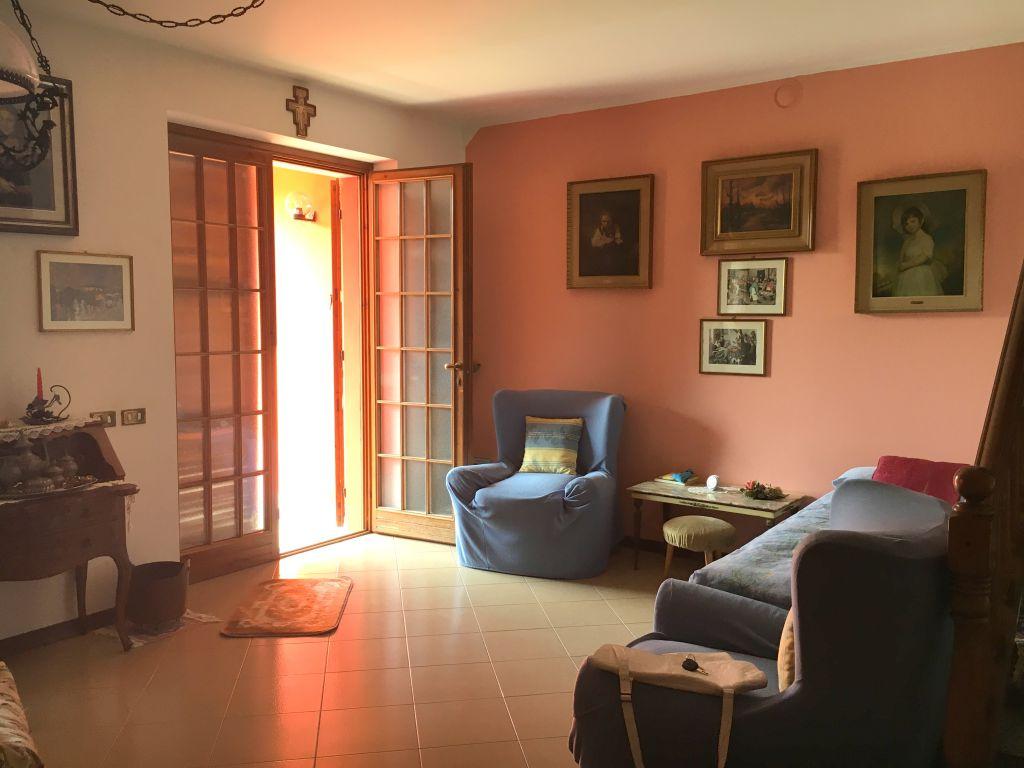 Villa in vendita a Gragnano Trebbiense, 4 locali, zona Località: GRAGNANO, prezzo € 150.000 | Cambio Casa.it