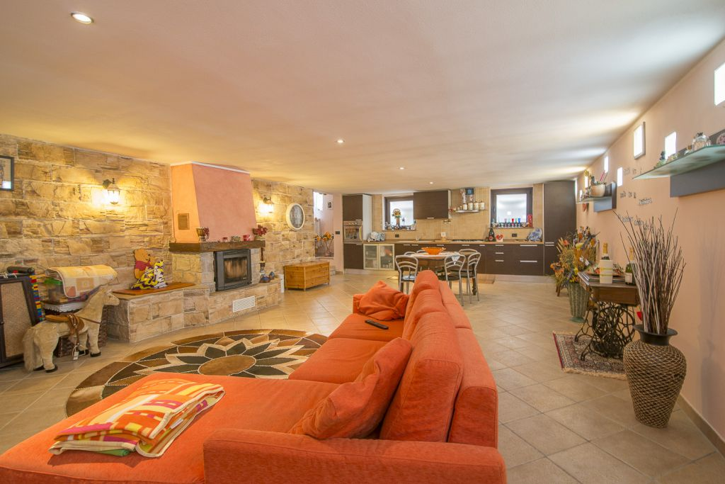 Villa in vendita a Podenzano, 4 locali, zona Località: PODENZANO, prezzo € 298.000 | Cambio Casa.it