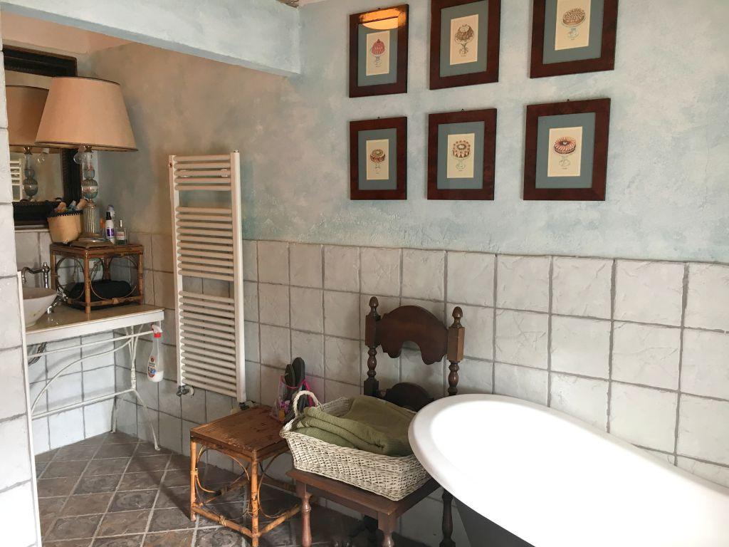 Rustico / Casale in vendita a Gragnano Trebbiense, 4 locali, zona Zona: Casaliggio, prezzo € 165.000 | Cambio Casa.it