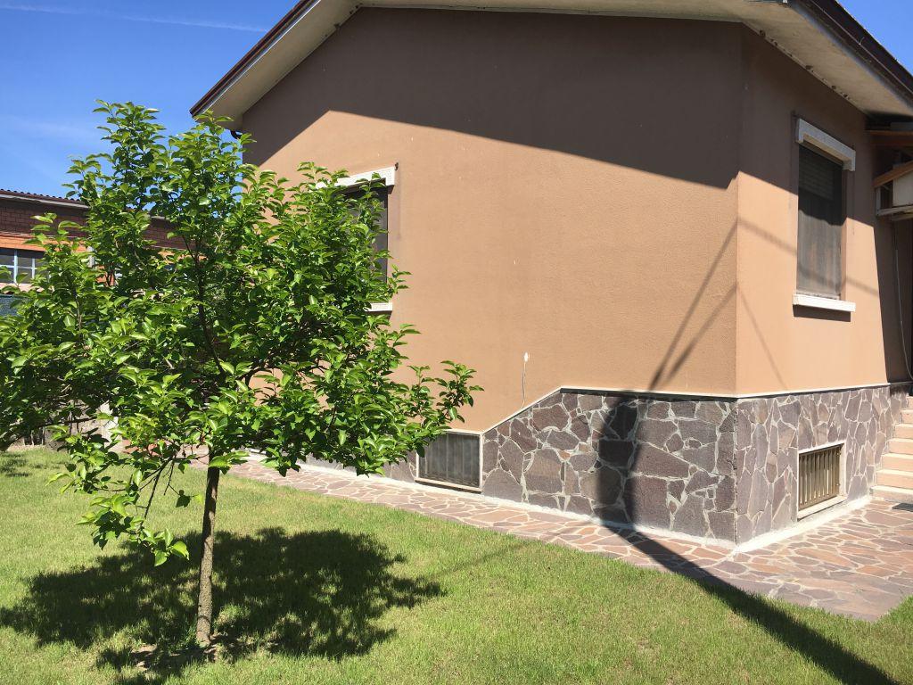 Villa in vendita a Rottofreno, 4 locali, zona Località: SAN NICOLO', prezzo € 190.000 | Cambio Casa.it