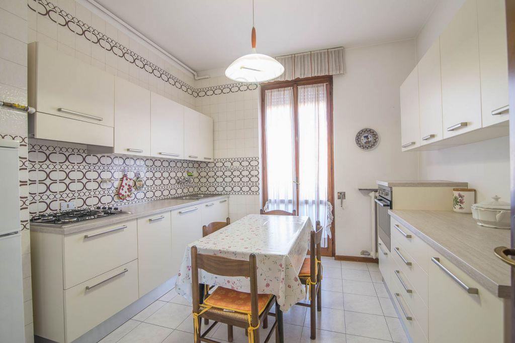Appartamento in vendita a Piacenza, 4 locali, zona Località: FARNESIANA, prezzo € 148.000 | Cambio Casa.it