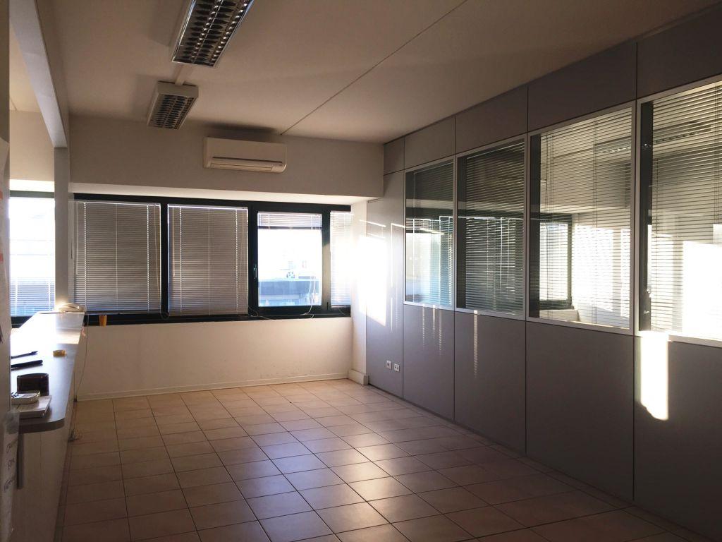Ufficio / Studio in affitto a Piacenza, 4 locali, zona Località: S. ANTONIO, prezzo € 1.200 | Cambio Casa.it