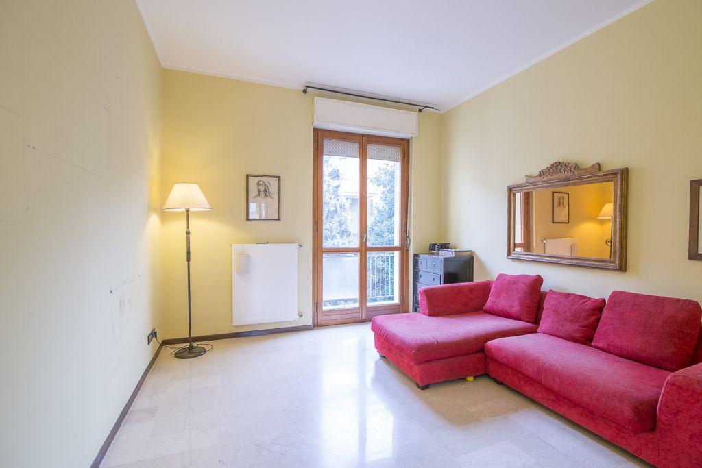 Appartamento in vendita a Piacenza, 3 locali, zona Località: ZONA STADIO, prezzo € 140.000 | Cambio Casa.it