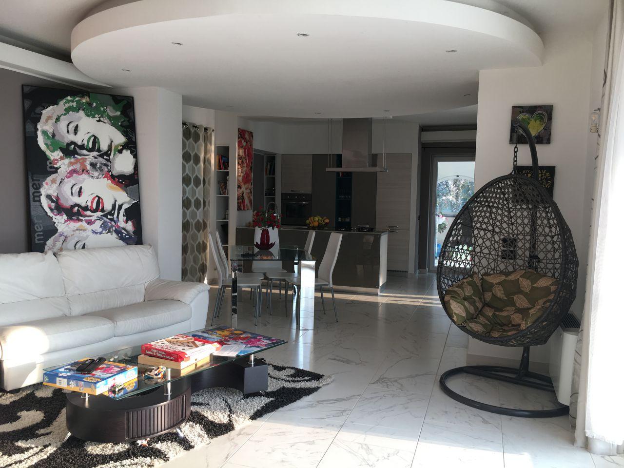 Soluzione Indipendente in vendita a Gragnano Trebbiense, 4 locali, zona Zona: Gragnanino, prezzo € 380.000 | Cambio Casa.it