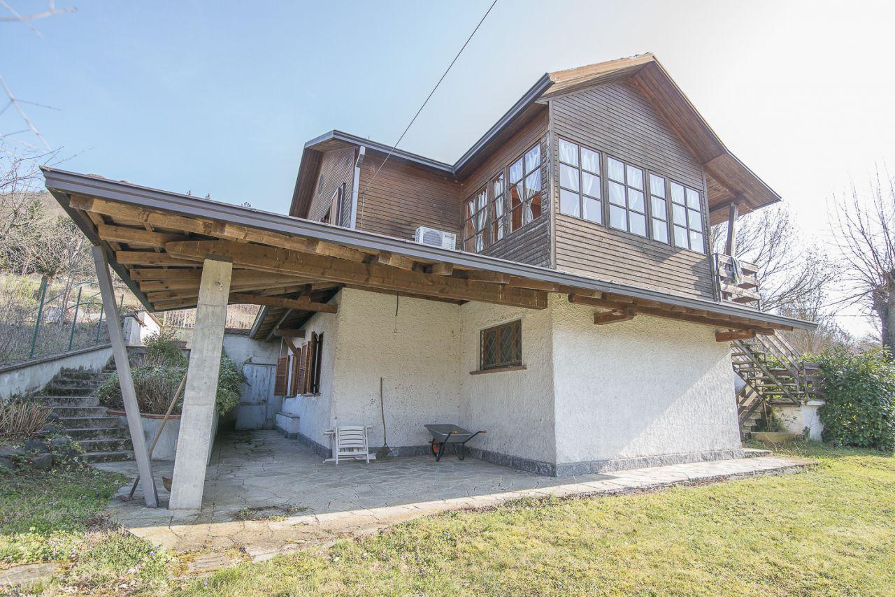 Villa in vendita a Travo, 4 locali, zona Località: DOLGO, prezzo € 150.000 | Cambio Casa.it