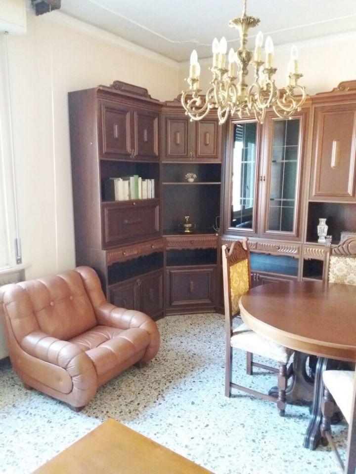 Appartamento in vendita a Pontenure, 3 locali, zona Località: PONTENURE, prezzo € 89.000 | Cambio Casa.it