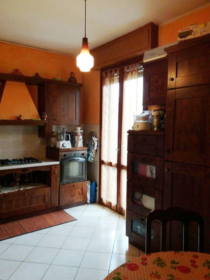 Appartamento in vendita a Pontenure, 3 locali, zona Località: PONTENURE, prezzo € 98.000 | Cambio Casa.it
