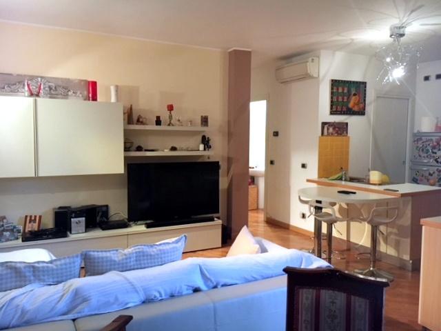 Appartamento in buone condizioni in vendita Rif. 8969424