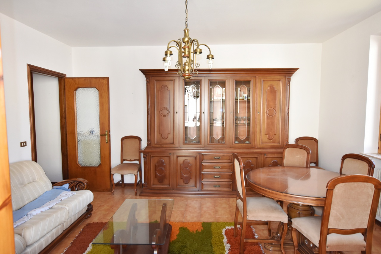 Appartamento da ristrutturare in vendita Rif. 5762229