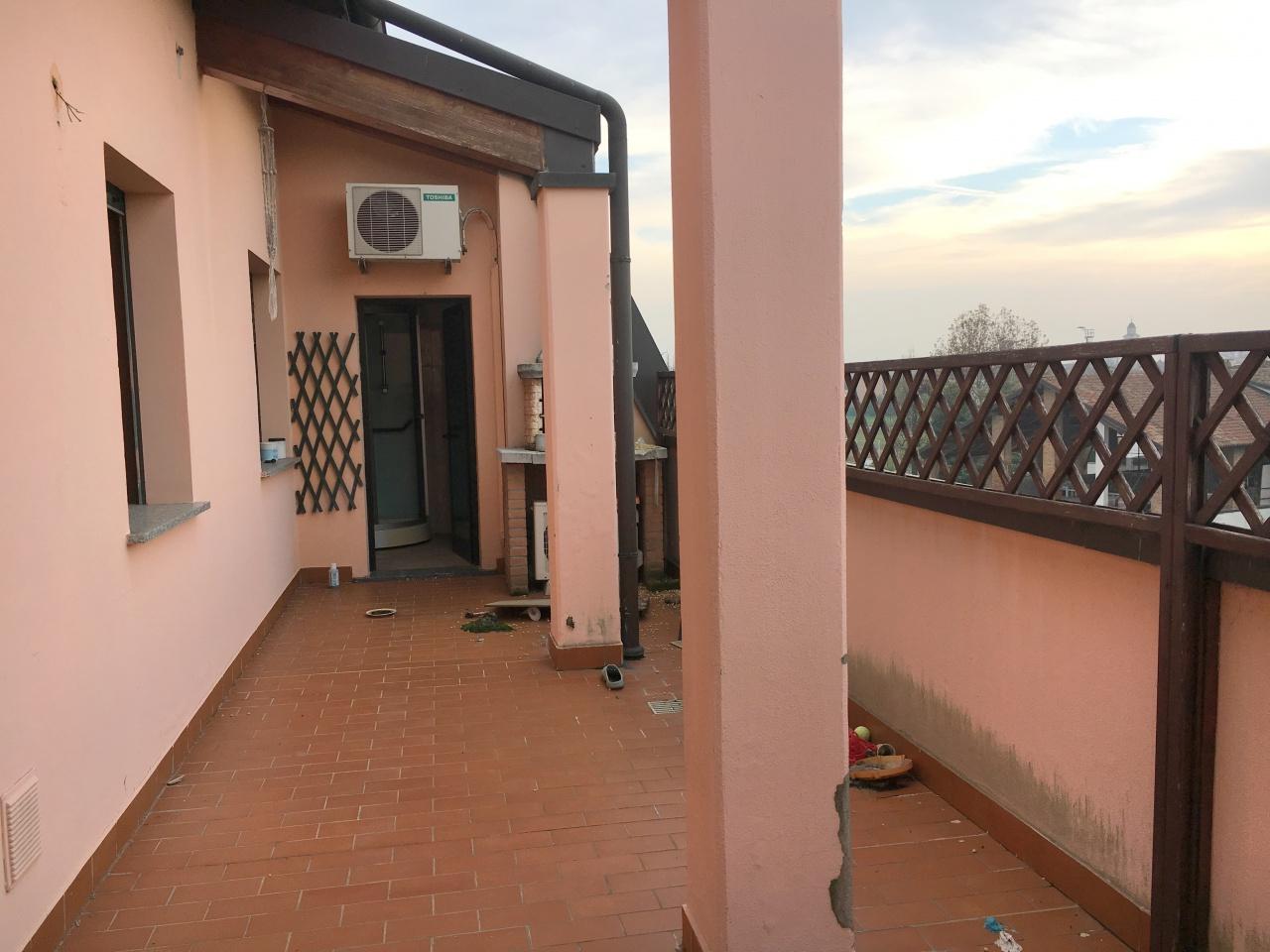 Appartamento da ristrutturare arredato in vendita Rif. 8824332