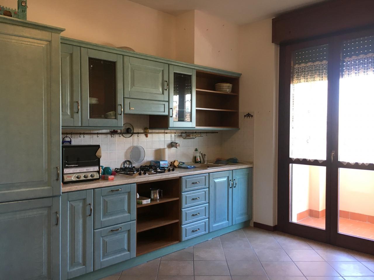Appartamento da ristrutturare in vendita Rif. 9221906