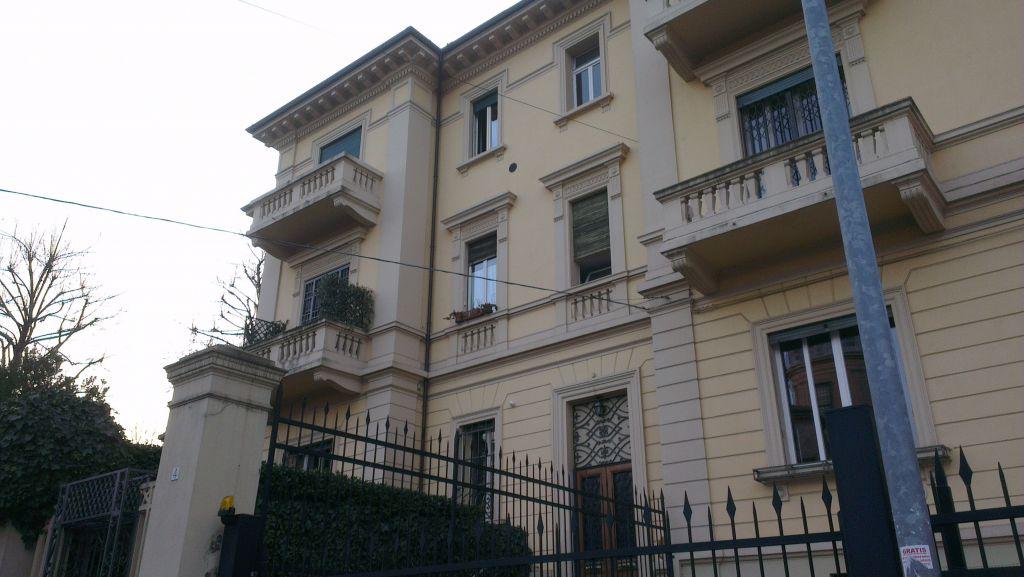 Bilocale Bologna Via Del Baraccano 1