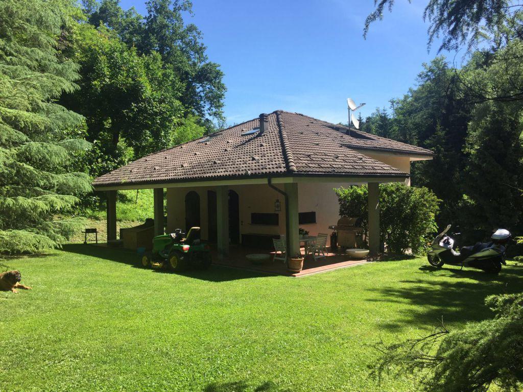 Soluzione Indipendente in vendita a Monte San Pietro, 11 locali, Trattative riservate | Cambio Casa.it
