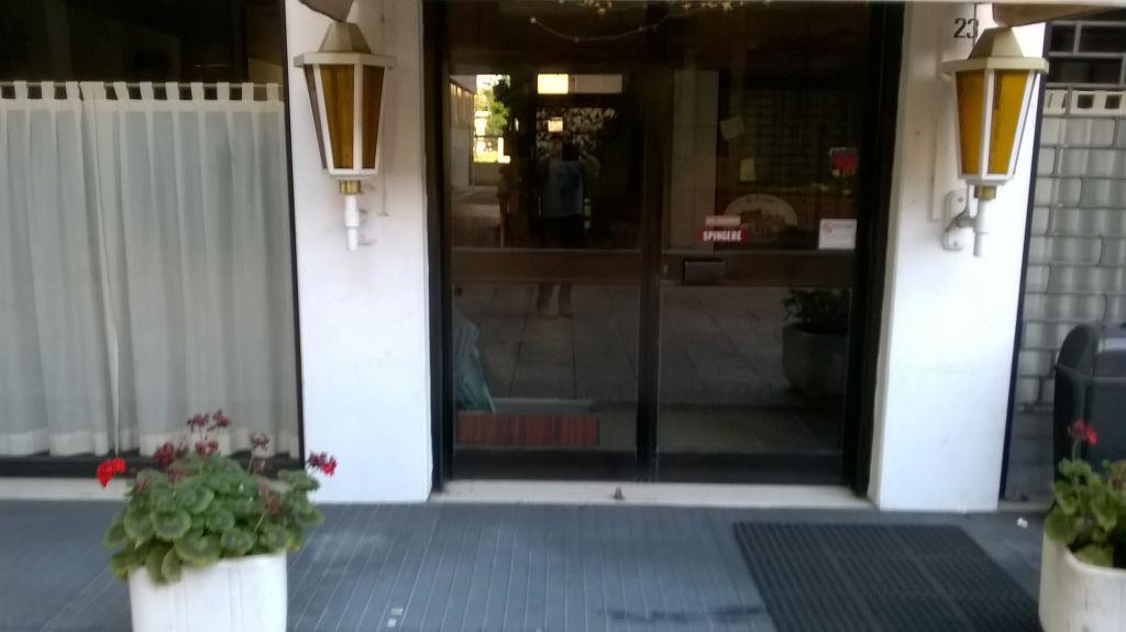Immobile Commerciale in vendita a Anzola dell'Emilia, 4 locali, prezzo € 180.000 | CambioCasa.it