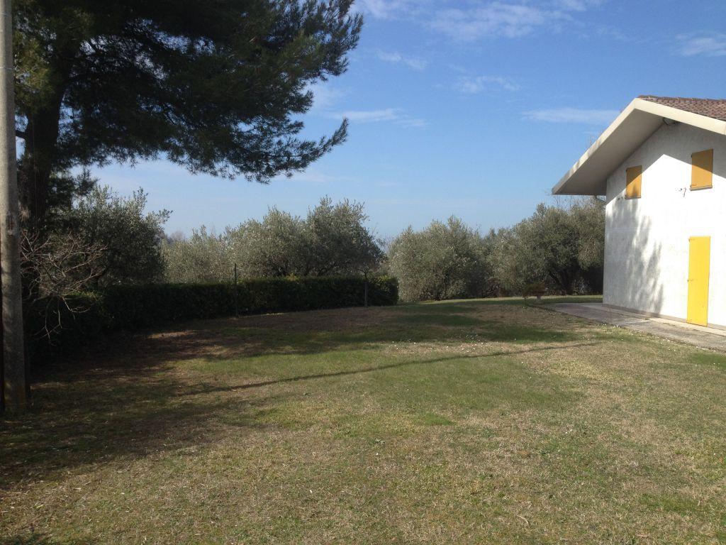 Villa in vendita a Gabicce Mare, 6 locali, zona Località: Gabicce Monte, Trattative riservate | Cambio Casa.it
