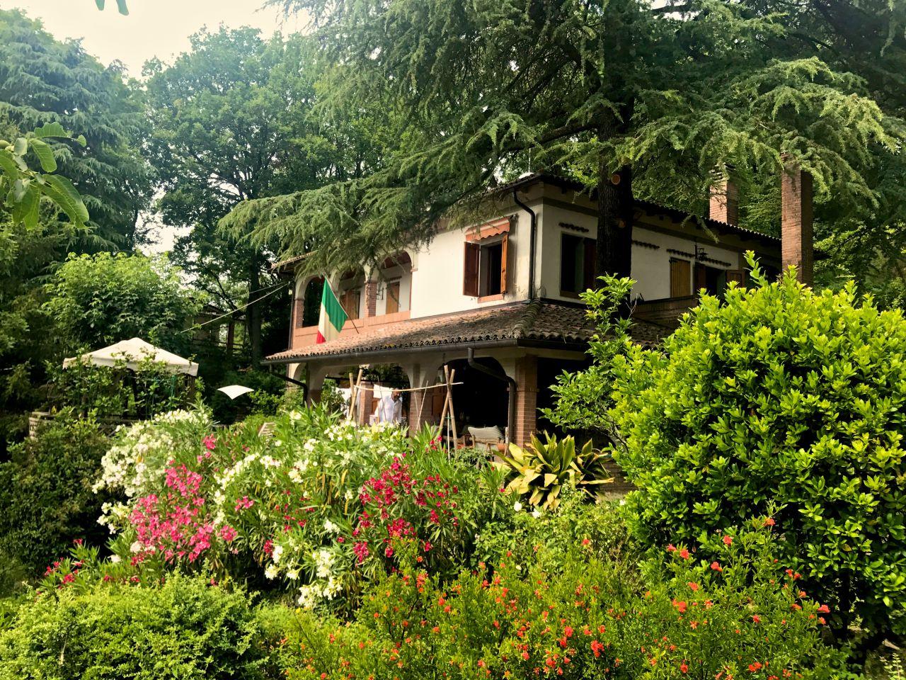 Villa in vendita a Sasso Marconi, 9 locali, prezzo € 450.000 | CambioCasa.it