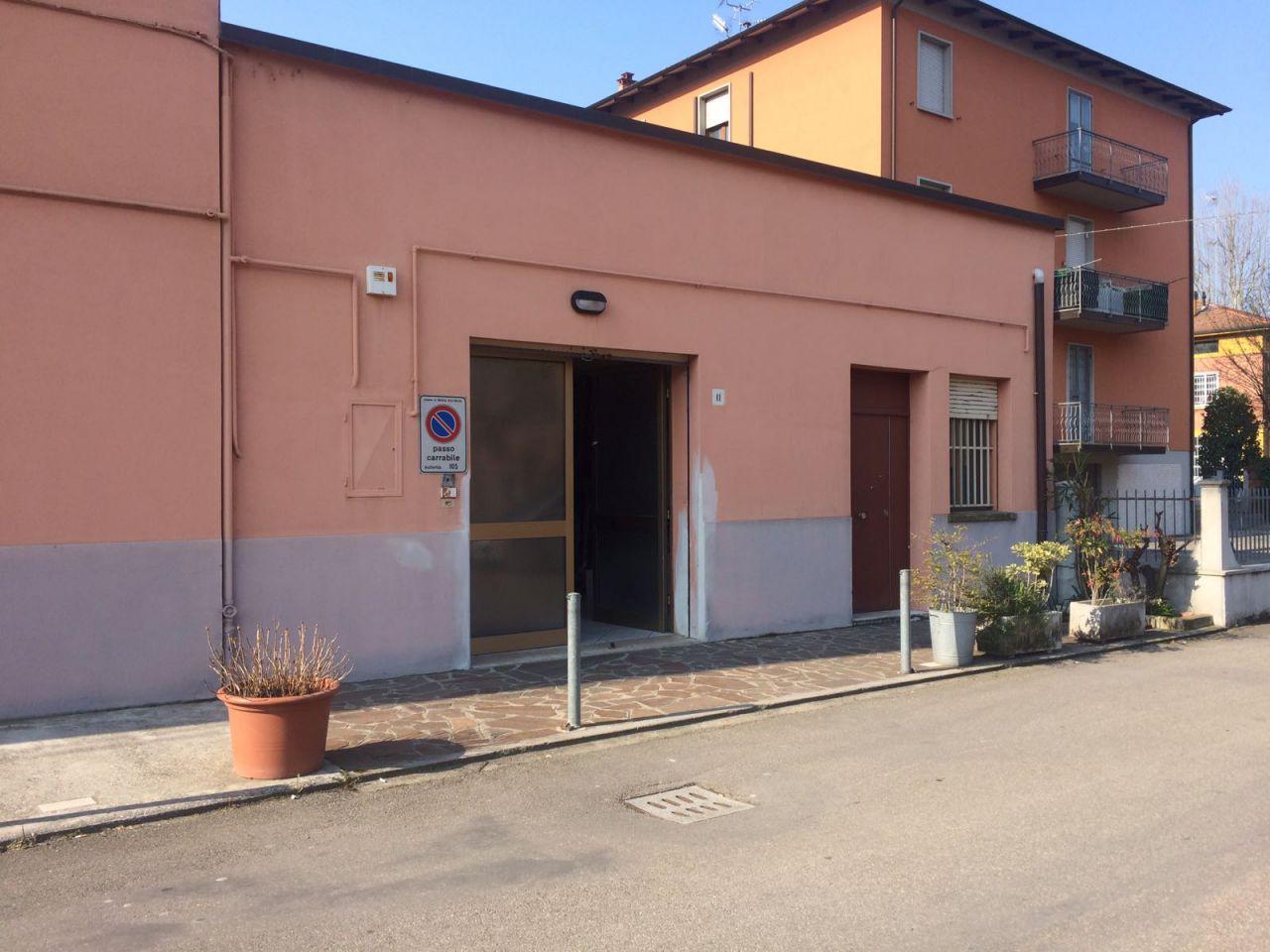 Magazzino in affitto a Anzola dell'Emilia, 3 locali, prezzo € 750 | CambioCasa.it