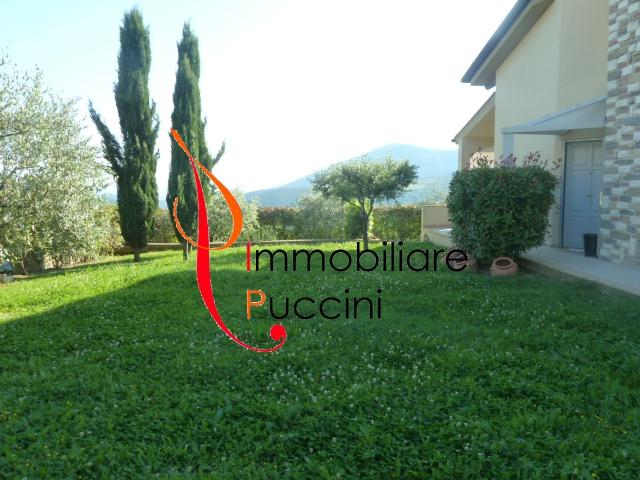 Villa in vendita a Calenzano, 7 locali, zona Località: GENERICA, prezzo € 600.000 | Cambio Casa.it