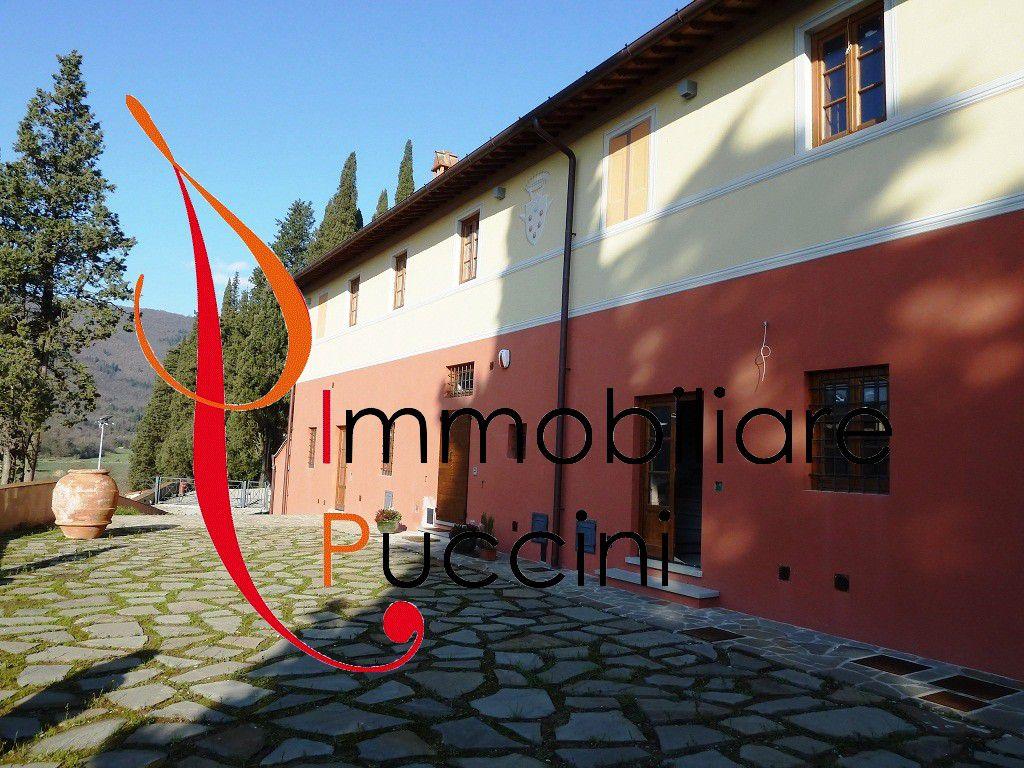 Soluzione Indipendente in vendita a Calenzano, 4 locali, zona Località: GENERICA, prezzo € 450.000   Cambio Casa.it