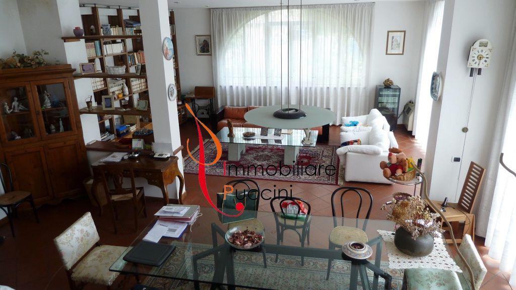 Rustico / Casale in vendita a Campi Bisenzio, 5 locali, zona Località: GENERICA, prezzo € 650.000 | Cambio Casa.it