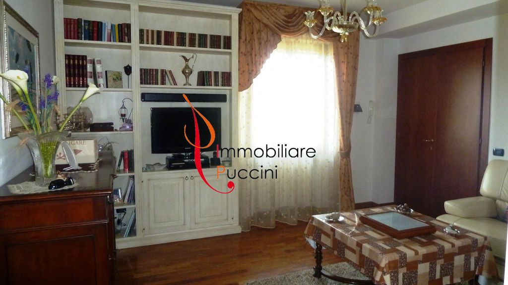 Appartamento in vendita a Calenzano, 4 locali, zona Località: GENERICA, prezzo € 278.000 | Cambio Casa.it