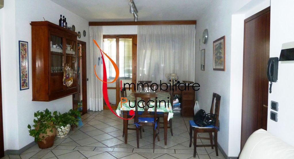 Appartamento in vendita a Calenzano, 5 locali, zona Località: GENERICA, prezzo € 268.000 | Cambio Casa.it