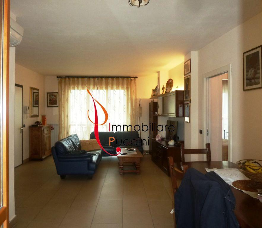 Appartamento in vendita a Calenzano, 3 locali, zona Località: GENERICA, prezzo € 265.000 | Cambio Casa.it