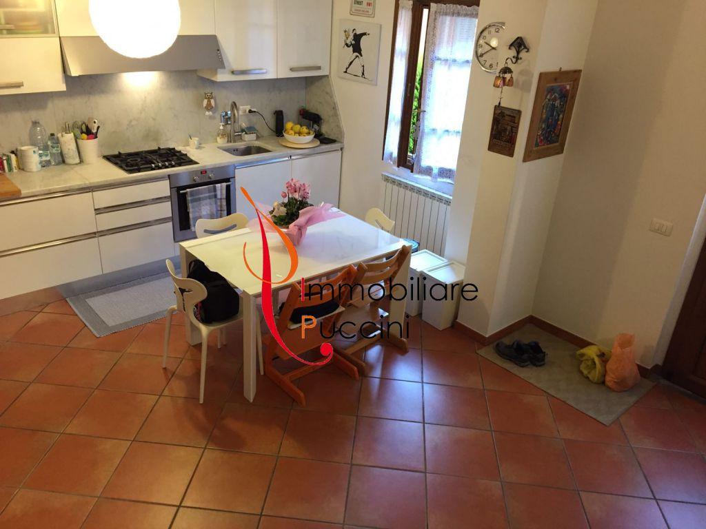 Soluzione Indipendente in vendita a Calenzano, 3 locali, prezzo € 215.000 | CambioCasa.it