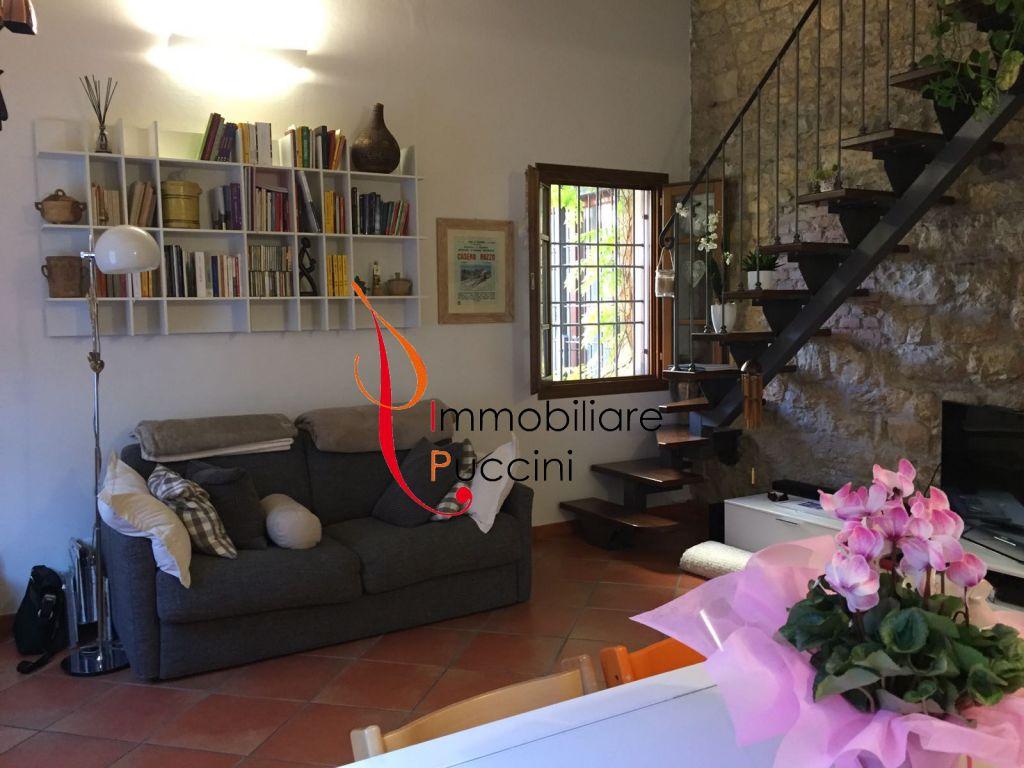 Soluzione Indipendente in vendita a Calenzano, 3 locali, zona Località: GENERICA, prezzo € 215.000 | Cambio Casa.it