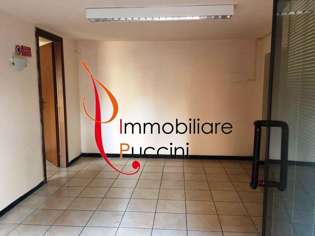 Negozio / Locale in vendita a Calenzano, 3 locali, zona Località: GENERICA, prezzo € 70.000 | Cambio Casa.it