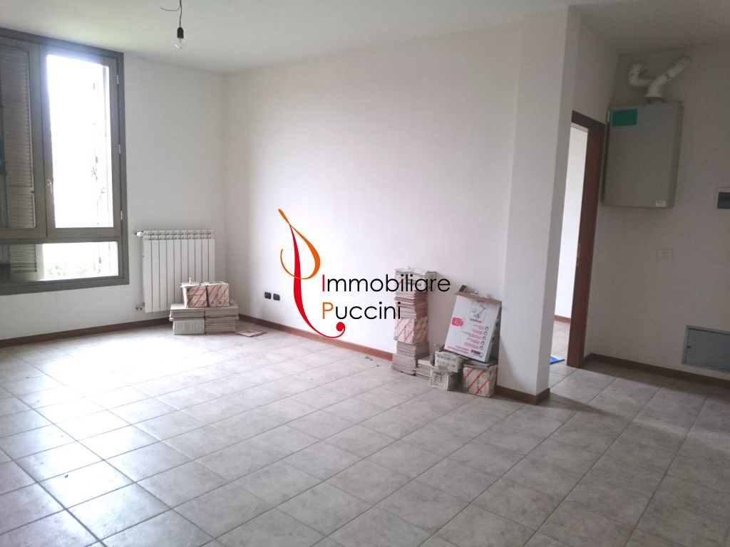 Appartamento in vendita a Calenzano, 5 locali, zona Località: GENERICA, prezzo € 215.000 | Cambio Casa.it