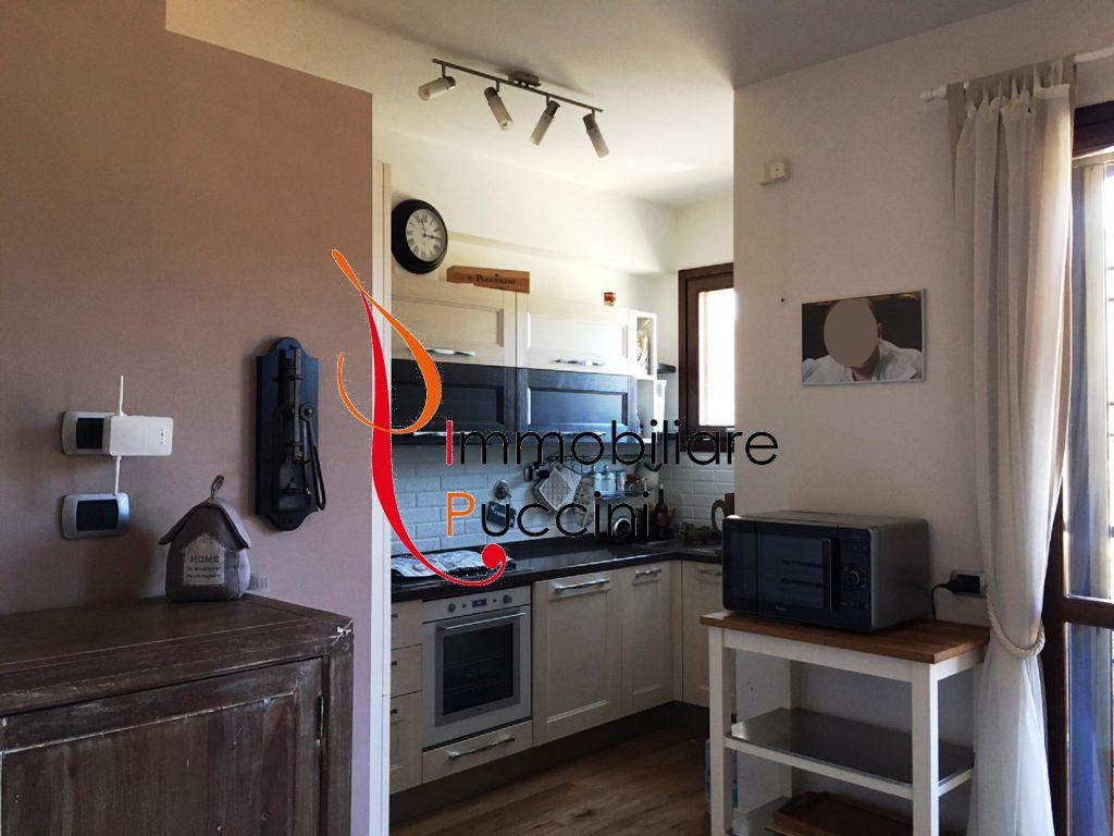 Soluzione Indipendente in vendita a Calenzano, 4 locali, zona Località: GENERICA, prezzo € 279.000 | Cambio Casa.it