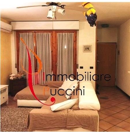 Appartamento in vendita a Calenzano, 4 locali, zona Località: GENERICA, prezzo € 205.000   Cambio Casa.it