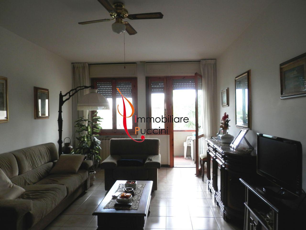 Appartamento in vendita a Calenzano, 4 locali, zona Località: GENERICA, prezzo € 160.000 | Cambio Casa.it