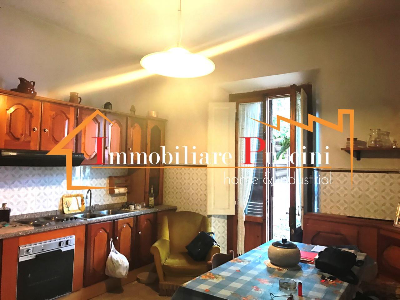 Soluzione Indipendente in vendita a Calenzano, 5 locali, prezzo € 465.000 | CambioCasa.it