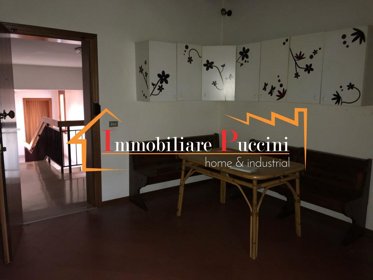 vendita appartamento calenzano   220000 euro  4 locali  80 mq
